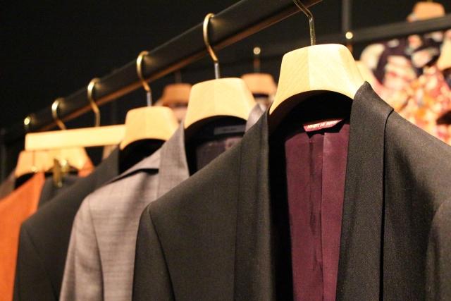 個人事業主のスーツ代は経費に計上できるか?