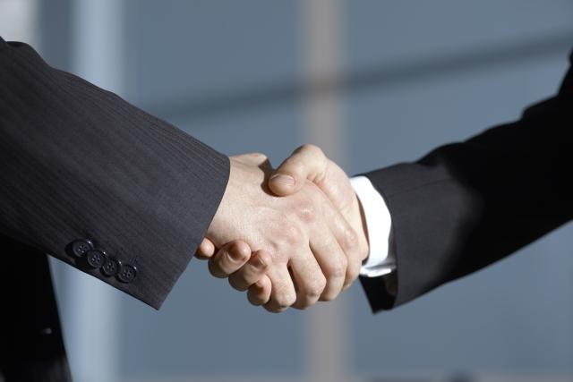 不動産会社が計上する仲介手数料(売上高)の計上時期と節税について!